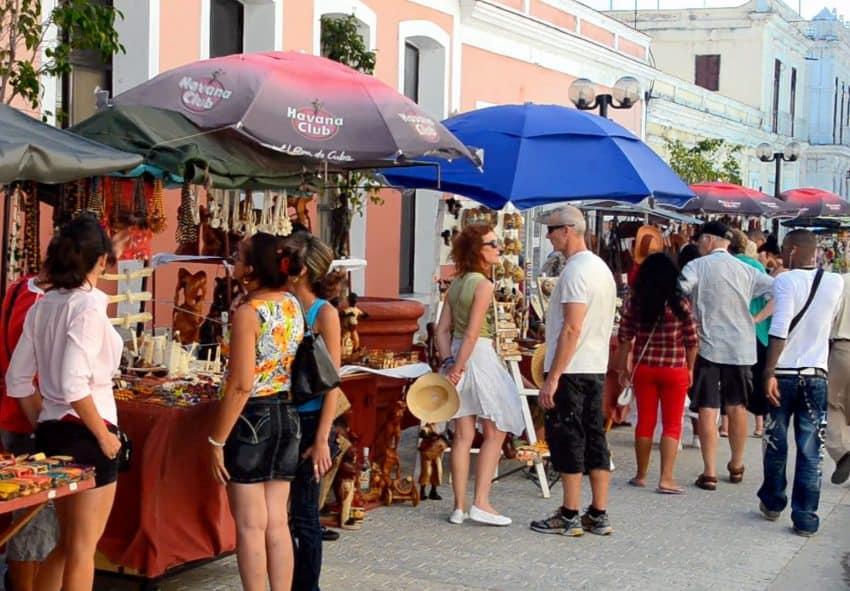 Cuba travel tips - Local market in Cuba