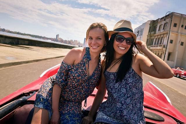 Cuba travel tips - Young tourists in Cuba